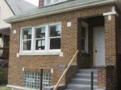 Photograph of 1056 N. Leamington Ave, Chicago, IL 60651