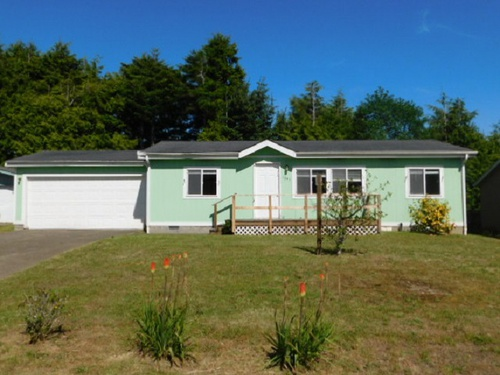 Photograph of 1345 SW Forest Pkwy, Waldport, OR 97394
