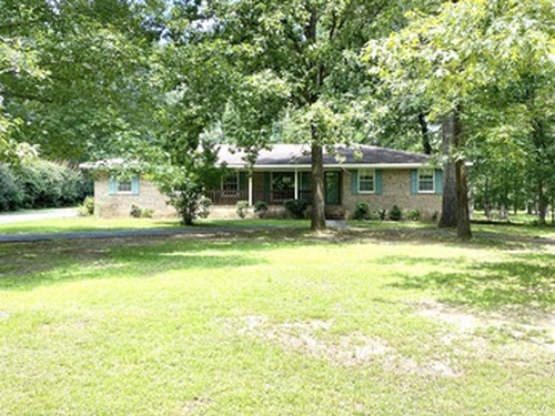 Photograph of 709 Noble Rd, Tallassee, AL 36078