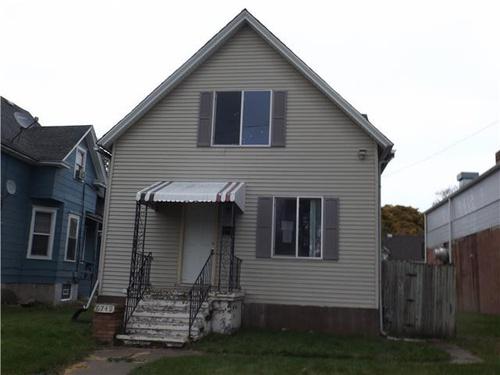 Photograph of 6749 14th Ave, Kenosha, WI 53143
