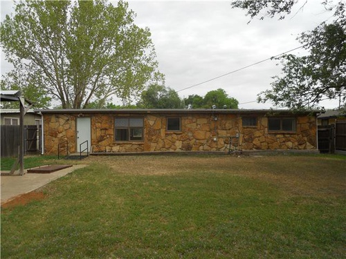 Photograph of 2103 48th St, Lubbock, TX 79412