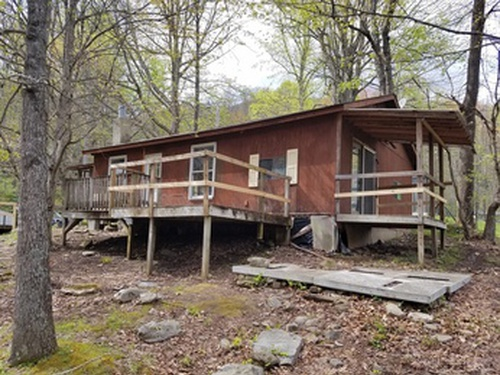 Photograph of 135 Carpenter Branch Rd, Maggie Valley, NC 28751