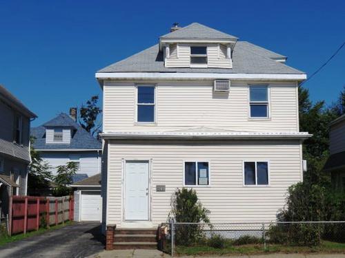 Photograph of 169 Park Ave, Cranston, RI 02905