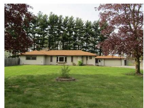 Photograph of 1302 W Winona Ave, Warsaw, IN 46580