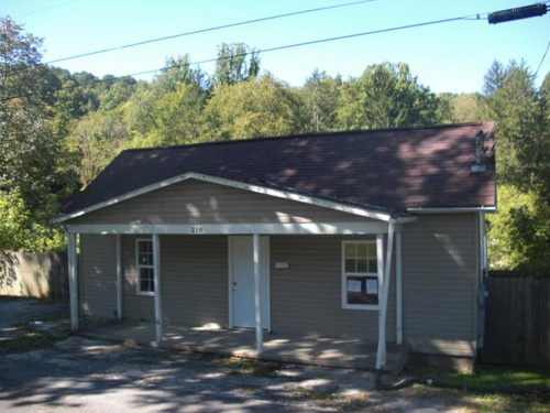 Photograph of 218 S River Ave, Weston, WV 26452