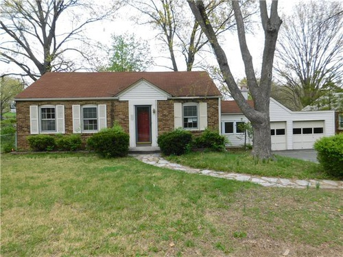 Photograph of 7149 Holly Hills Ave, Saint Louis, MO 63123