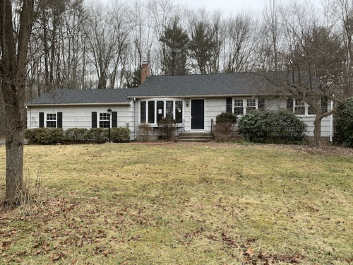 Photograph of 102 Old Meadow Plain Rd, Weatogue, CT 06089