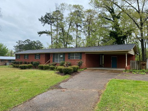 Photograph of 320 Northwood Dr, Louisville, MS 39339