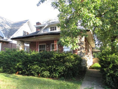 Photograph of 1209 Curtiss Street, Downers Grove, IL 60515