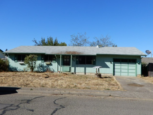 Photograph of 350 F St, Creswell, OR 97426