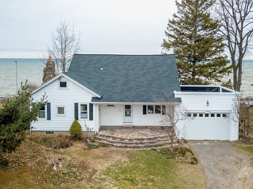 Photograph of 1722 Edgemere Dr, Rochester, NY 14612