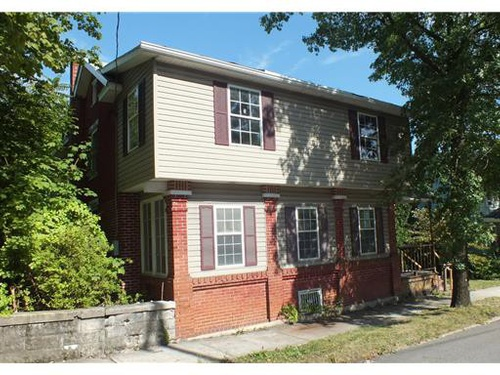 Photograph of 121 N Spring St, Everett, PA 15537