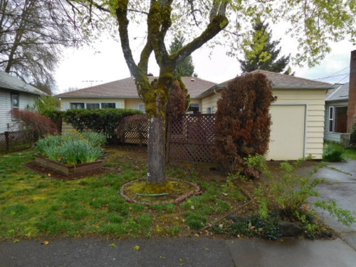 Photograph of 1425 Takena St SW, Albany, OR 97321