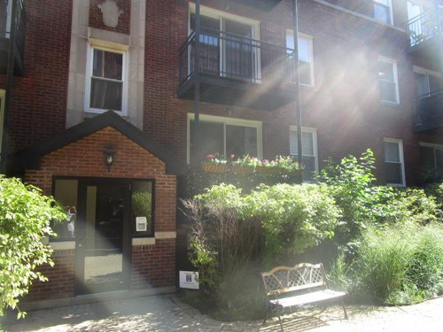 Photograph of 3711 N Kenneth Ave Unit 220, Chicago, IL 60641