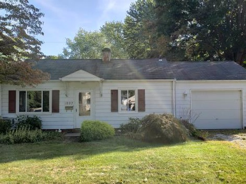 Photograph of 1827 Aberdeen Rd, Madison, OH 44057