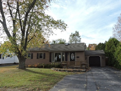Photograph of 7 Wenonah Ave, Essex Junction, VT 05452