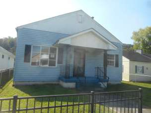 Photograph of 3231 Chase St, Huntington, WV 25704