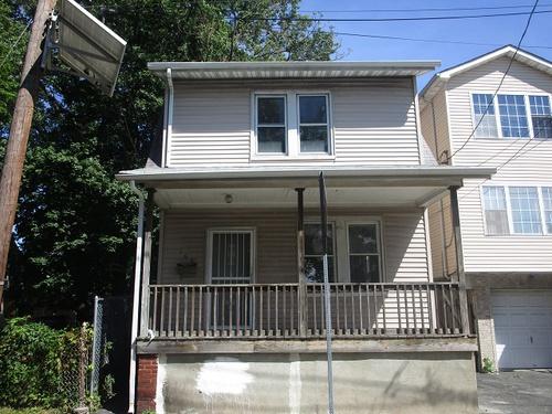 Photograph of 168 Wainwright St, Newark, NJ 07112