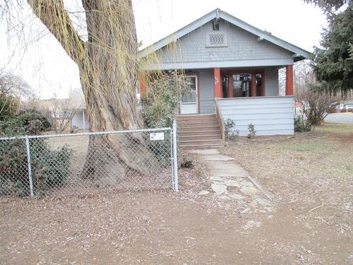 Photograph of 590 NE Fairview Street, Prineville, OR 97754