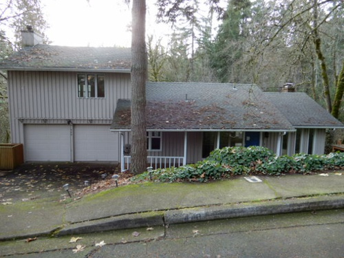 Photograph of 440 Lochmoor Place, Eugene, OR 97405