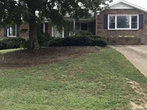 Photograph of 600 Woodlake Dr, Greensboro, NC 27406