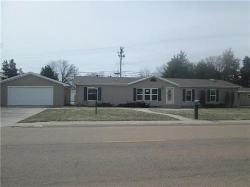 Photograph of 2202 W A St, North Platte, NE 69101