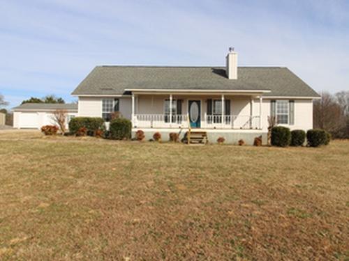 Photograph of 3981 Lawson Gap Rd, Boaz, AL 35956