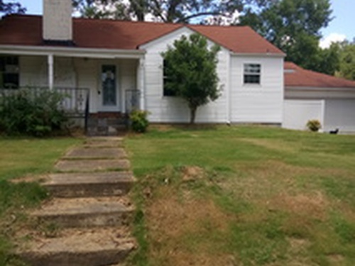 Photograph of 4510 5th St, Northport, AL 35476