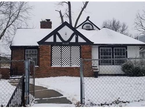 Photograph of 5112 Highland Ave, Kansas City, MO 64110