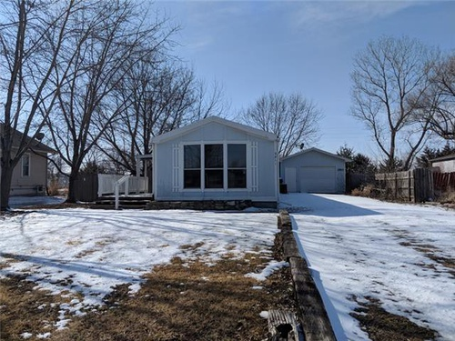 Photograph of 2811 Nelsons Lndg, Manhattan, KS 66502