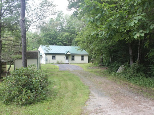 Photograph of 9 Cherry Hill Road, Grafton, NH 03240
