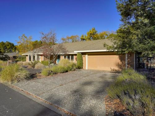 Photograph of 541 Catherine Ct, Santa Rosa, CA 95409