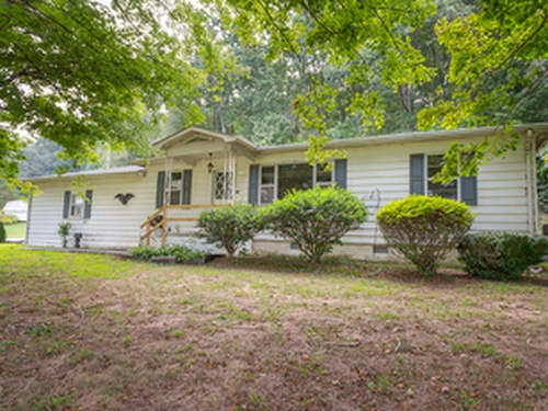 Photograph of 300 Red Clay Park Rd SW, Cleveland, TN 37311