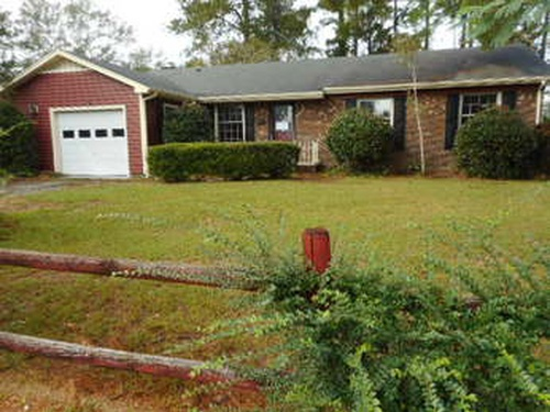 Photograph of 331 Bartow Dr, Fayetteville, NC 28301