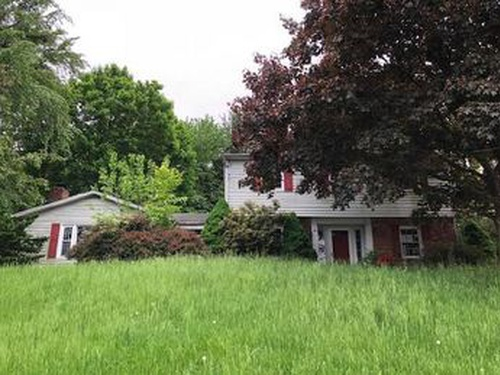 Photograph of 651 Geneva Dr, Westminster, MD 21157