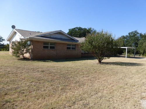 Photograph of 405 Travis Dr, Mineral Wells, TX 76067
