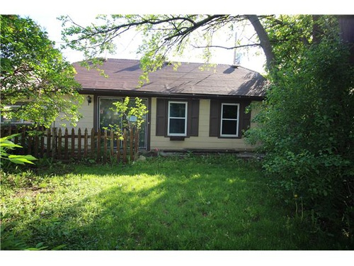 Photograph of 6051 W Fond Du Lac Ave, Milwaukee, WI 53218
