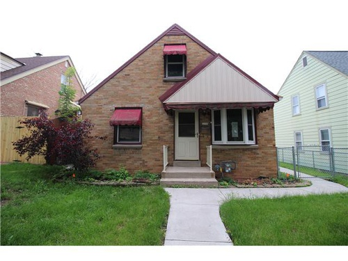 Photograph of 3770 S 14th St, Milwaukee, WI 53221