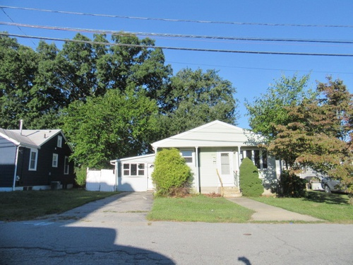 Photograph of 15 Mcguire Rd, North Providence, RI 02904