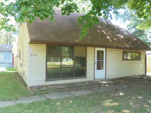 Photograph of 4098 Burkey Rd, Youngstown, OH 44515