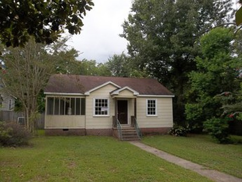 Photograph of 202 N 20th Ave, Hattiesburg, MS 39401