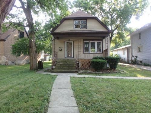 Photograph of 9829 S Charles St, Chicago, IL 60643