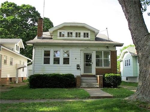 Photograph of 527 E Melbourne Ave, Peoria, IL 61603