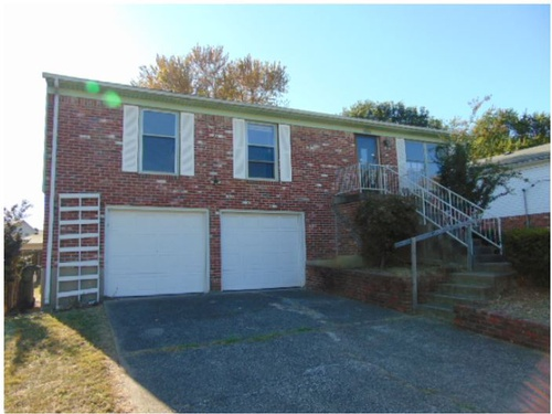 Photograph of 4400 Chenny Lane, Louisville, KY 40299
