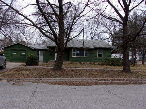 Photograph of 300 W Beech St, Independence, KS 67301