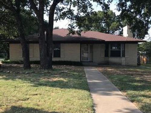 Photograph of 1538 Timber Ln, Jacksboro, TX 76458
