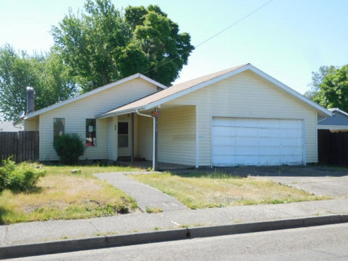 Photograph of 418 36th St, Springfield, OR 97478