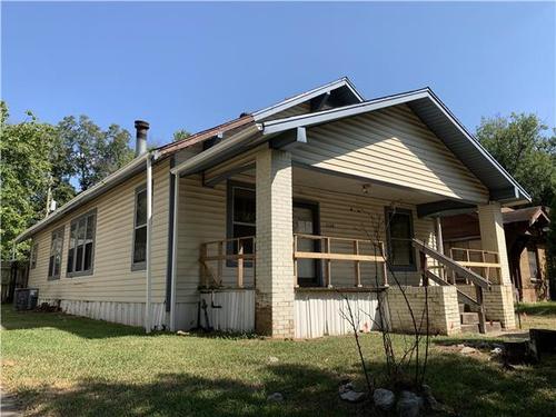 Photograph of 2108 Walnut St, Texarkana, TX 75501