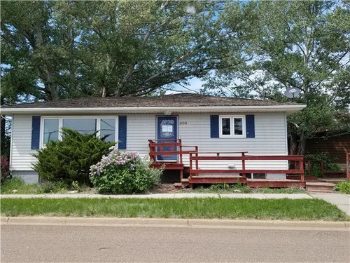 Photograph of 608 W Divide, Bowman, ND 58623
