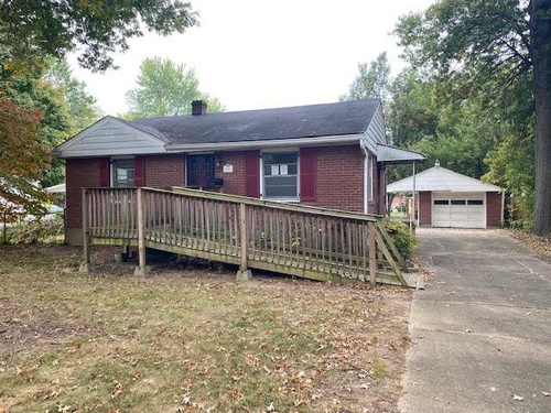 Photograph of 2608 Pioneer Rd, Louisville, KY 40216